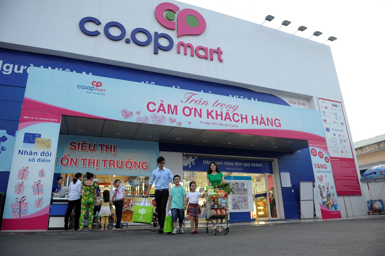 Sàn giao dịch việc làm lưu động tại Co.op Mart Bình Triệu